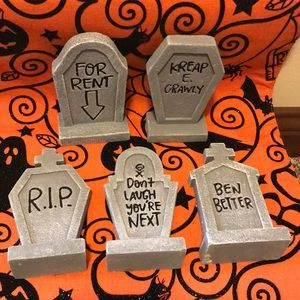 NWT-Set of 5 Mini Tombstones from Target